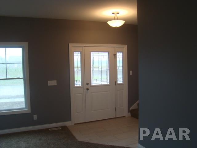 2 Story, Single Family - Eureka, IL (photo 2)