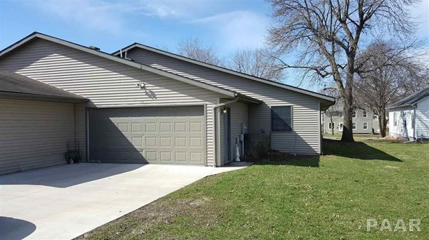 Attached Single Family, Ranch - Canton, IL (photo 3)