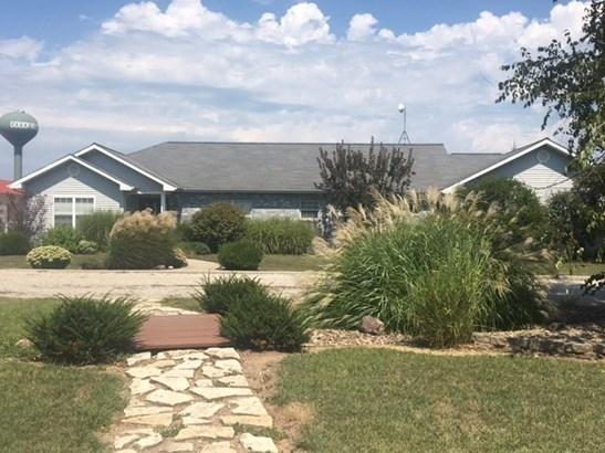 Ranch, Single Family - Goodfield, IL