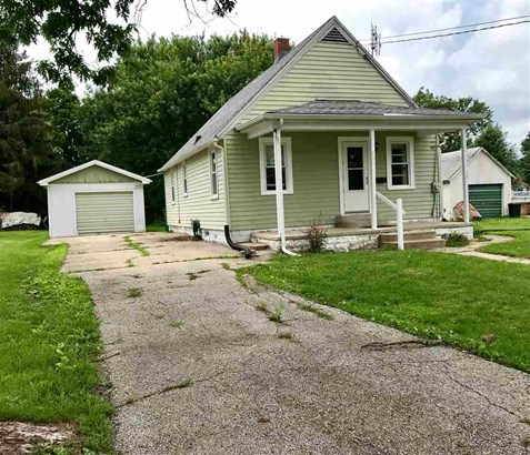 Bungalow, Single Family - Farmington, IL