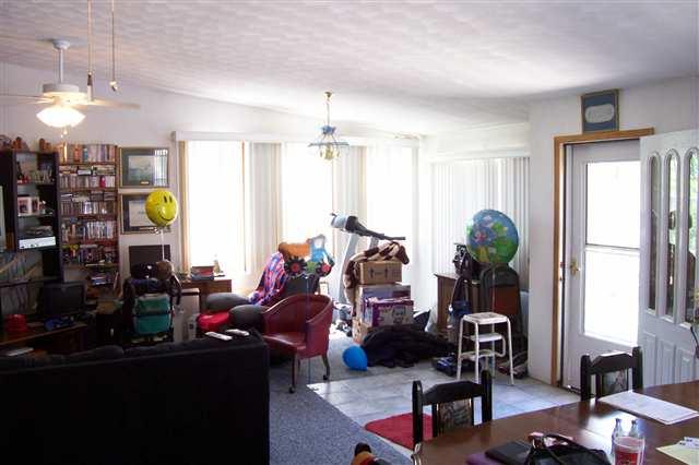 2 Story, Single Family - Canton, IL (photo 4)