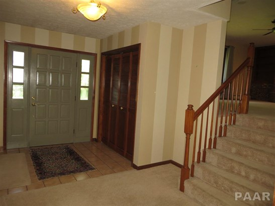 Tri-Level/3-Level, Single Family - Creve Coeur, IL (photo 2)