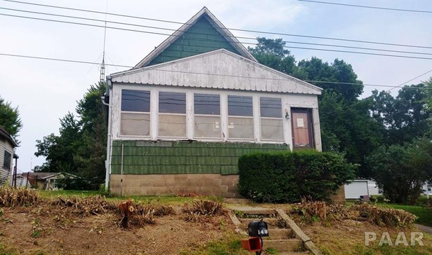 Bungalow, Single Family - Canton, IL