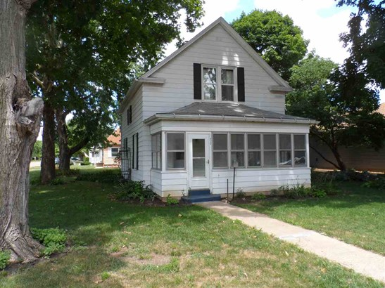 1.5 Story, Single Family - CHILLICOTHE, IL