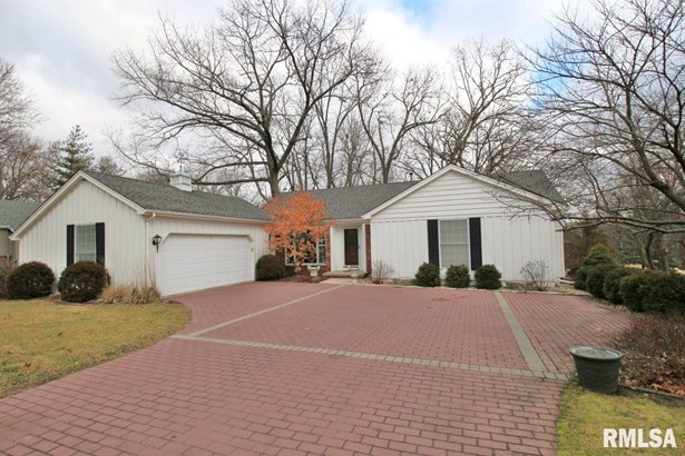 Ranch, Single Family - Peoria, IL