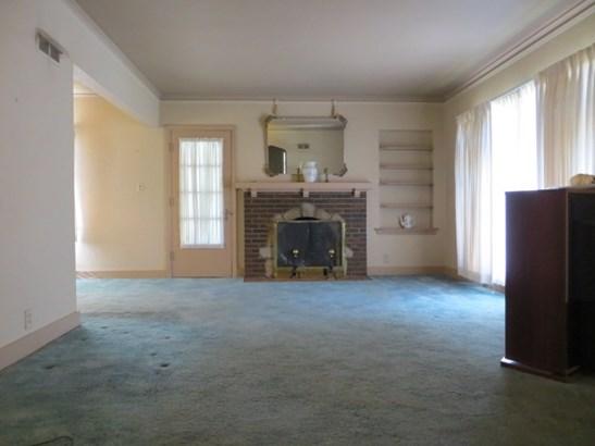 1.5 Story, Single Family - West Peoria, IL (photo 3)