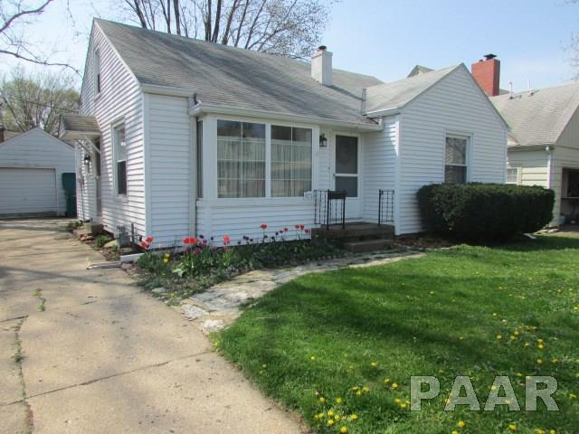 1.5 Story, Single Family - West Peoria, IL (photo 1)