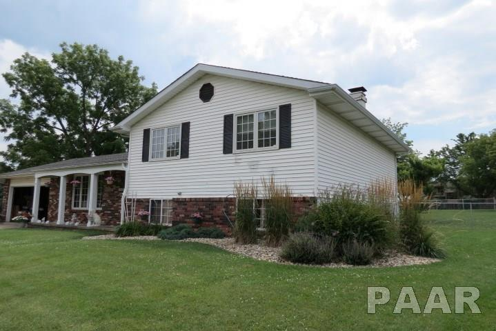 Tri-Level/3-Level, Single Family - Peoria, IL (photo 2)