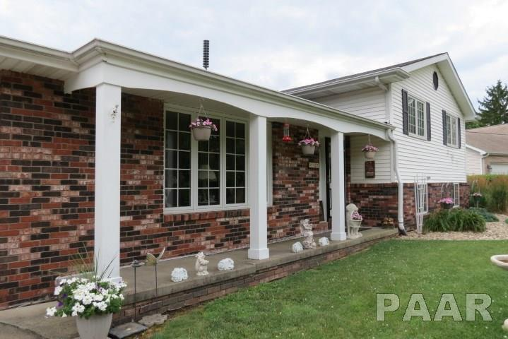 Tri-Level/3-Level, Single Family - Peoria, IL (photo 3)