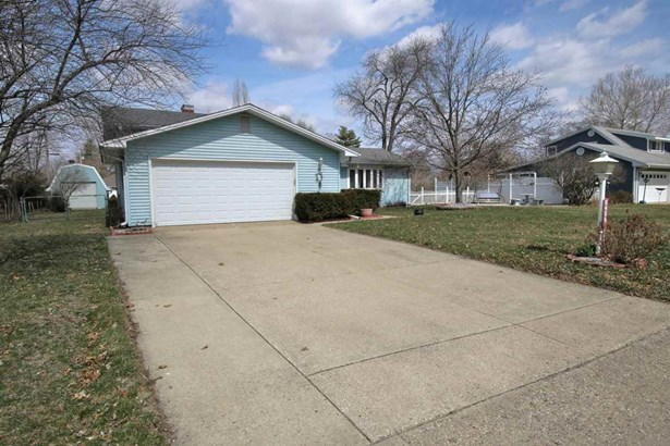 Tri-Level/3-Level, Single Family - Chillicothe, IL (photo 2)