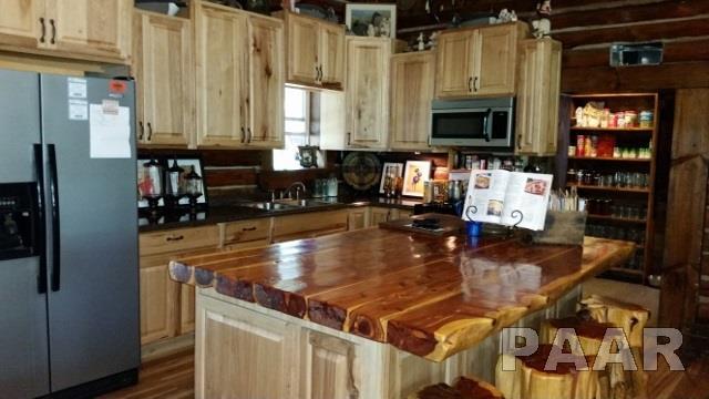 1.5 Story, Single Family - Topeka, IL (photo 3)