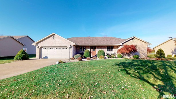 Ranch, Single Family - Mapleton, IL