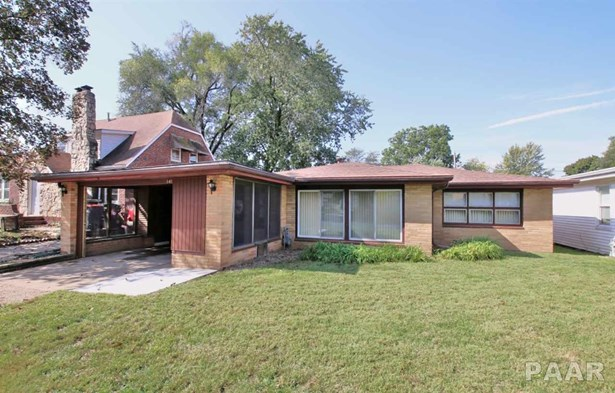 1 Story, Residential Income - Pekin, IL