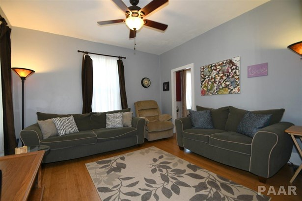1.5 Story, Single Family - Peoria, IL (photo 4)