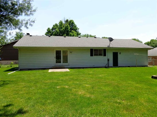 Ranch, Single Family - West Peoria, IL (photo 4)