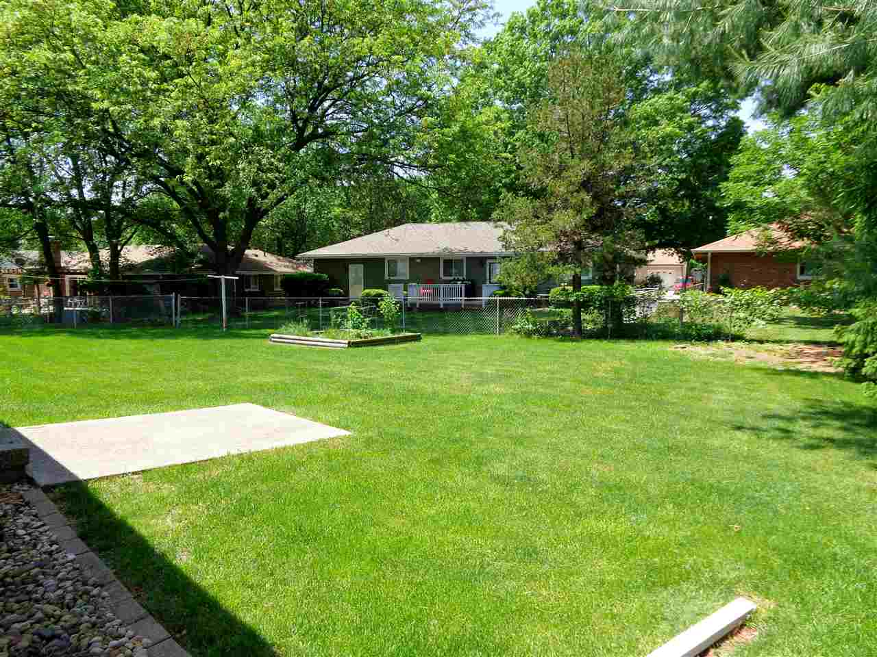 Ranch, Single Family - West Peoria, IL (photo 5)