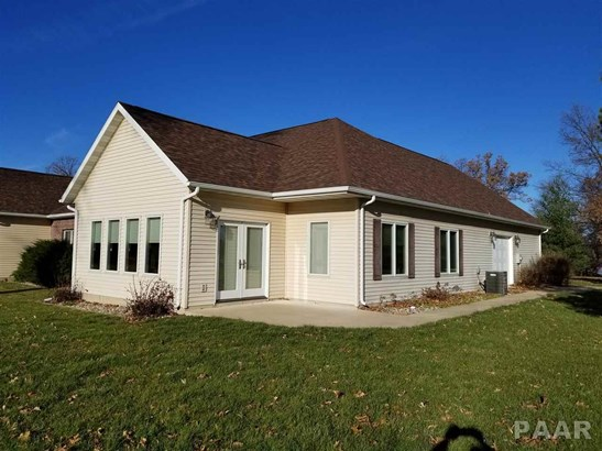 1.5 Story, Attached Single Family - Cuba, IL (photo 2)