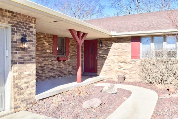 Tri-Level/3-Level, Single Family - Germantown Hills, IL (photo 3)