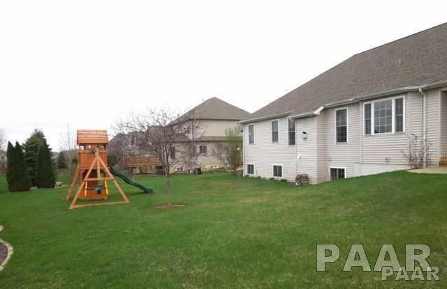 Ranch, Single Family - Peoria, IL (photo 3)