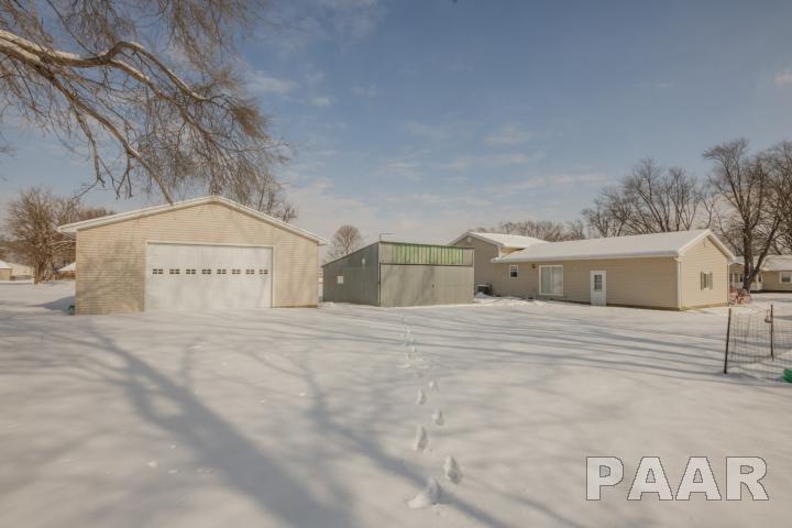 Tri-Level/3-Level, Single Family - Williamsfield, IL (photo 2)