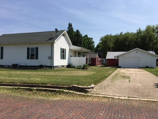 Ranch, Single Family - Lewistown, IL (photo 3)