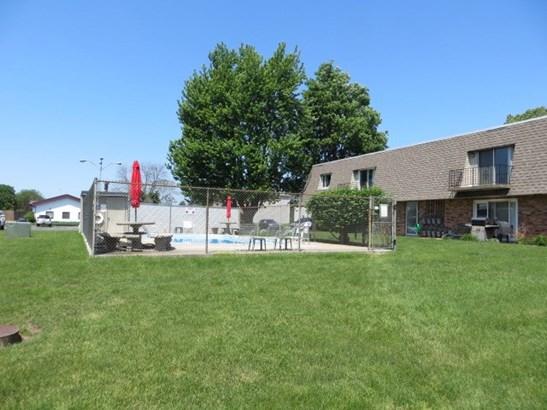 Attached Single Family, 2 Story - Morton, IL (photo 3)