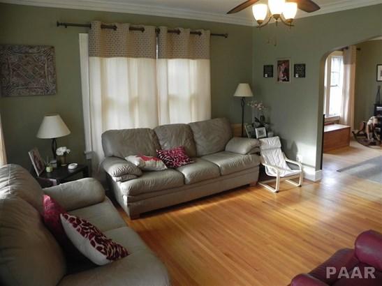 1.5 Story, Single Family - PEKIN, IL (photo 2)