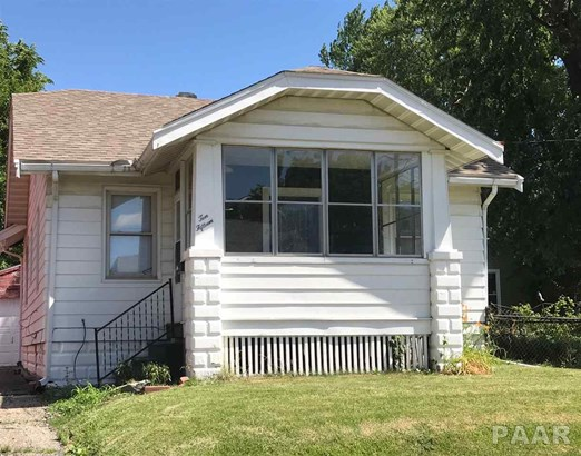 Bungalow, Single Family - Peoria Heights, IL (photo 1)