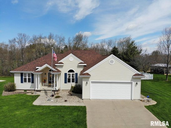 Ranch, Single Family - Canton, IL