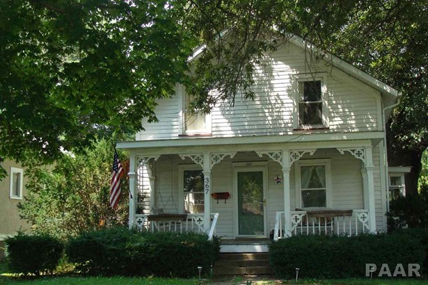 1.5 Story, Single Family - FARMINGTON, IL (photo 1)