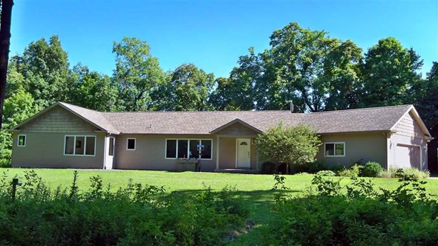 Ranch, Single Family - East Peoria, IL