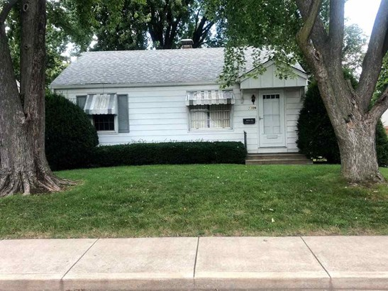 Bungalow, Single Family - West Peoria, IL