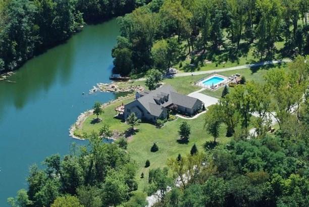 Ranch, Single Family - Farmington, IL