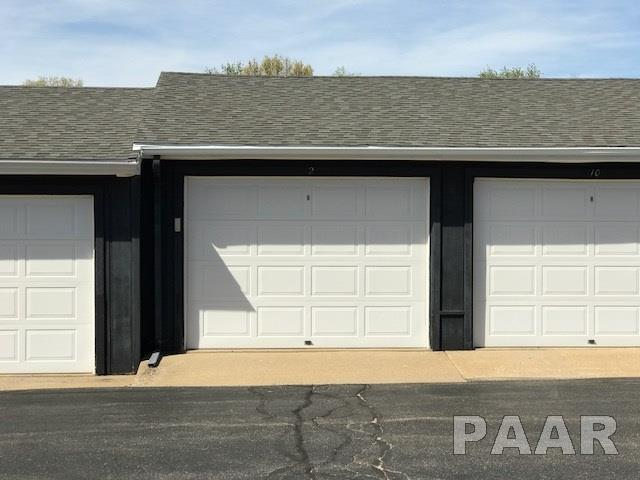 Attached Single Family, Other Style - Pekin, IL (photo 5)