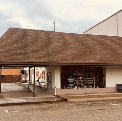 1 Story, Residential Income - henry, IL (photo 2)