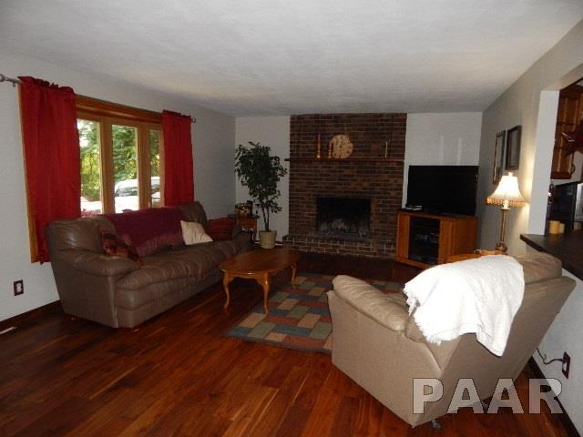 Tri-Level/3-Level, Single Family - GROVELAND, IL (photo 4)
