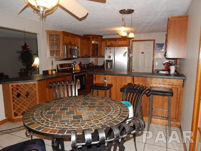 Tri-Level/3-Level, Single Family - GROVELAND, IL (photo 5)