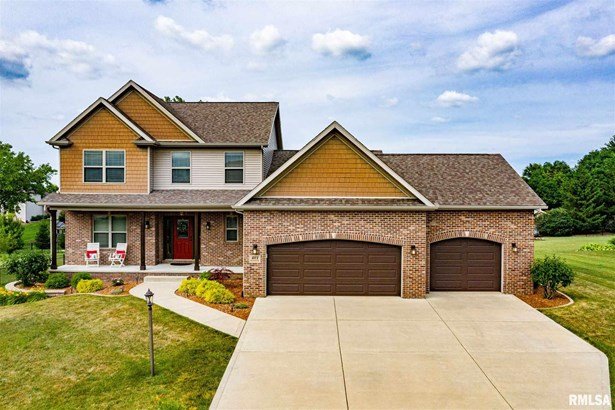 1.5 Story, Single Family - Germantown Hills, IL
