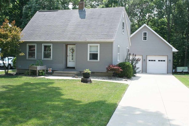 1.5 Story, Single Family - East Peoria, IL