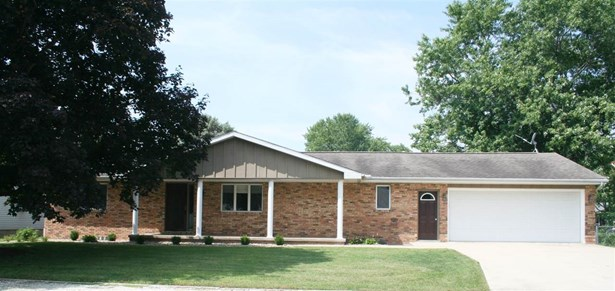 Ranch, Single Family - Princeville, IL