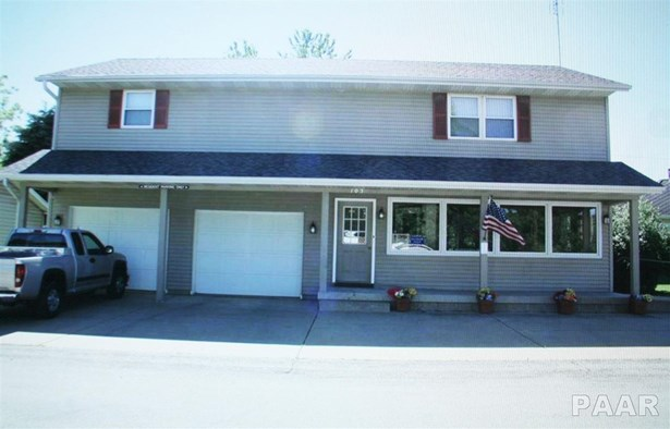 Attached Single Family, 2 Story - Metamora, IL (photo 1)