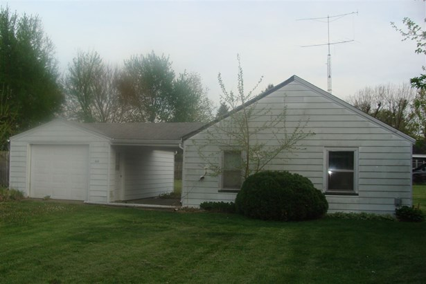 Bungalow, Single Family - Farmington, IL (photo 3)