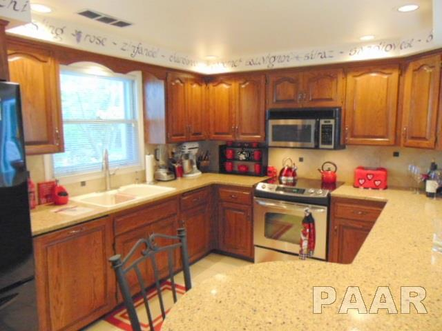 Single Family, Quad-Level/4-Level - Peoria, IL (photo 4)