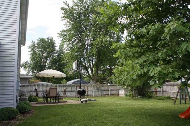 2 Story, Single Family - East Peoria, IL (photo 5)