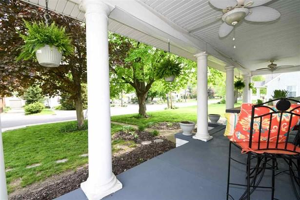 Bungalow, Single Family - West Peoria, IL (photo 5)