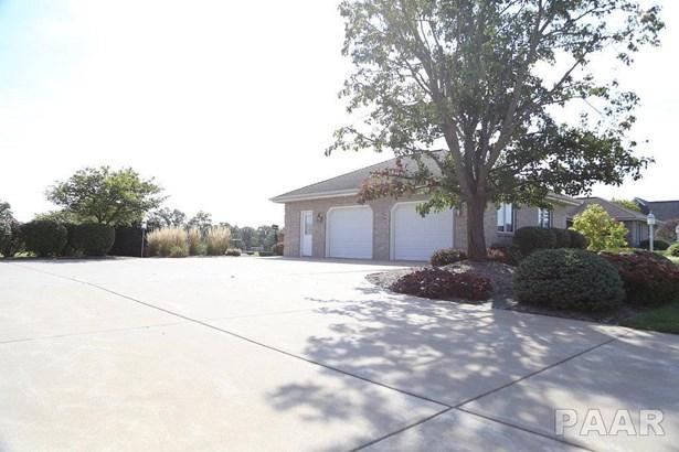Ranch, Single Family - Goodfield, IL (photo 2)