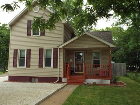 1.5 Story, Single Family - Farmington, IL