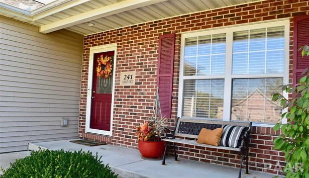 Ranch, Single Family - Germantown Hills, IL (photo 2)
