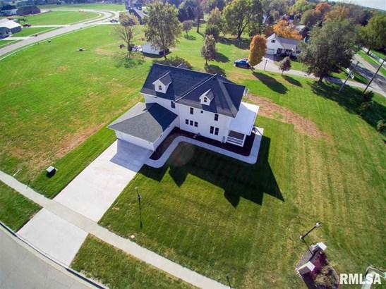 2 Story, Single Family - Elmwood, IL
