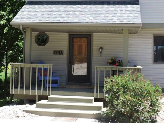 Attached Single Family, 2 Story - Chillicothe, IL (photo 3)